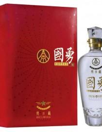 国勇酒是勇系列酒的高端产品,产品保持了博猫官网集团公司浓香型白酒的酒体风格和口感,酒体清澈透明,香气舒适,绵甜醇厚,是不可多得的好酒。